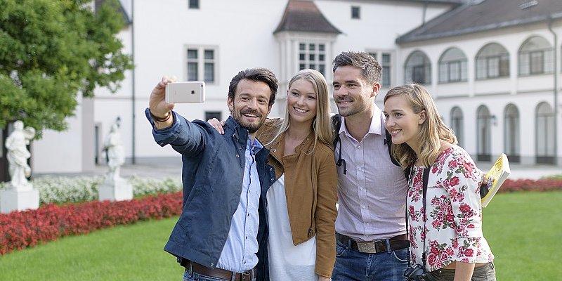 Der Burggarten in Wels lädt zu einen Selfie ein